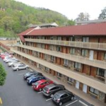 Crossroads Inn and Suites | Gatlinburg, Tennessee | Lodging | Gatlinburg Hotels and Motels | My Smoky Mountain Guide