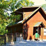 Little Log Vacation Rentals   Gatlinburg, Tennessee   Lodging   Gatlinburg Cabin Rentals and Chalets   My Smoky Mountain Guide