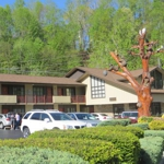 Mountain House Inn Downtown | Gatlinburg, Tennessee | Lodging | Gatlinburg Hotels and Motels | My Smoky Mountain Guide