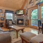 Make a Reservation | Americana Cabin | Gatlinburg, Tennessee