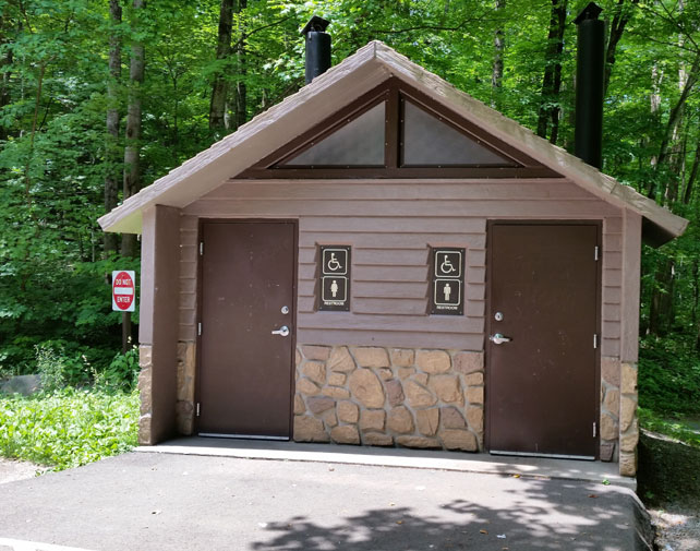 Rainbow Falls Trail   Toilets   Great Smoky Mountains National Park