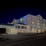 Make a reservation for Holiday Inn Express & Suites Pigeon Forge