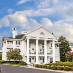 Make a reservation at Clarion Inn Willow River | Sevierville, Tennessee