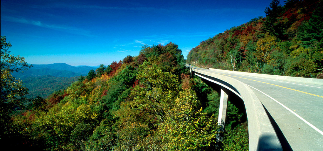 Cherohala Skyway | Robbinsville, NC to Tellico Plains, NC | Eleven Popular Motorcycle Rides in the Smoky Mountains